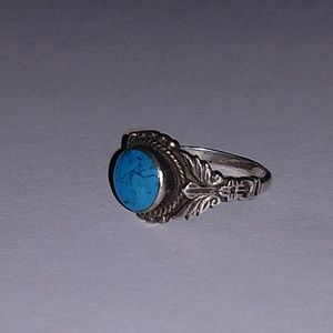 Sterling silver and turquoise ring 7.75